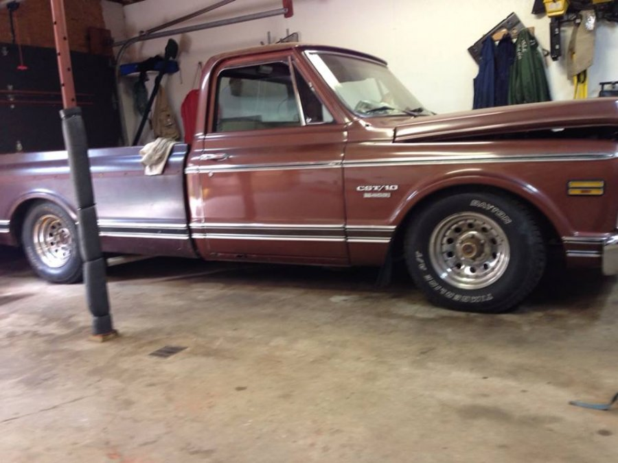 Paul Andersen\'s 70 Chevy CST/C10 on a Level 1 Air Suspension
