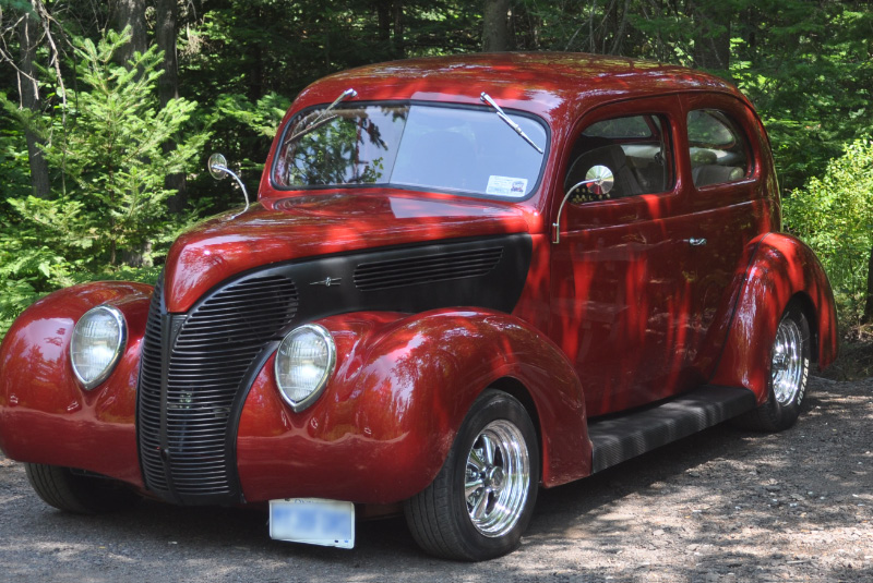Graham Smith 1938 Ford complete off frame rebuild, Ride Tech air over leaf on back and coil overs in front.